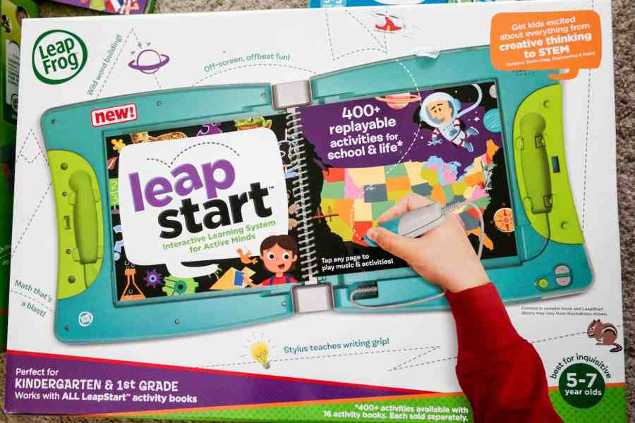 A Video Review and Written Review of the new #LeapFrog LeapStart Activity Center