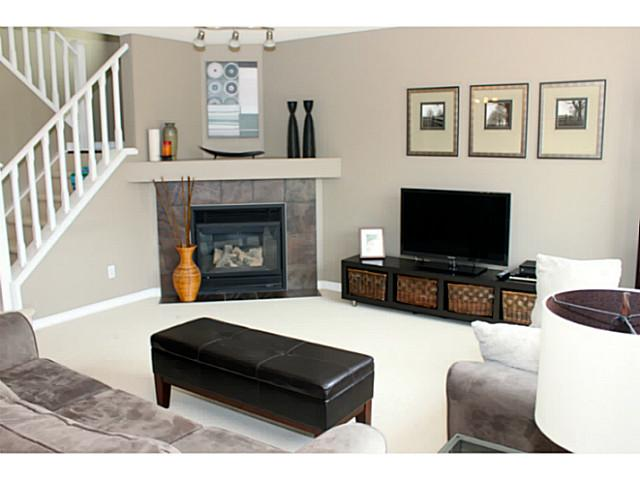 Living Room Furniture Arrangement Corner Fireplace