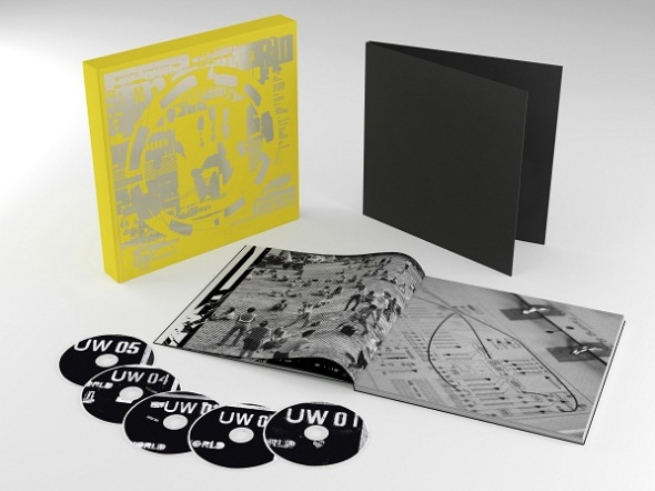 Packshot-Physical Super Deluxe