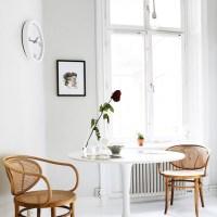 Старая деревянная мебель и скандинавский стиль