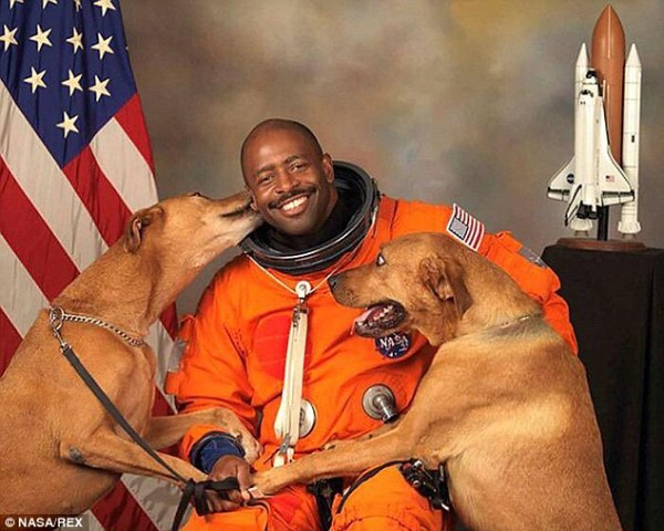 Nasa photo Leland Melvin