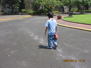Imitating Dr. Jose Rizal's footsteps