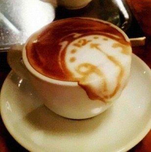 surrealist-latte-art_imgur