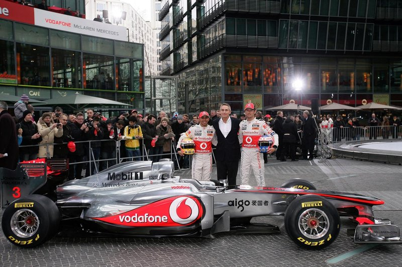 Motorsports: FIA Formula One World Championship, Vodafone McLaren Mercedes Car Launch, presentation of the new MP4-26, Lewis Hamilton (GBR, Vodafone McLaren Mercedes), Martin Whitmarsh (GBR, Teamchef Vodafone McLaren Mercedes) and Jenson Button (GBR, Vodafone McLaren Mercedes)