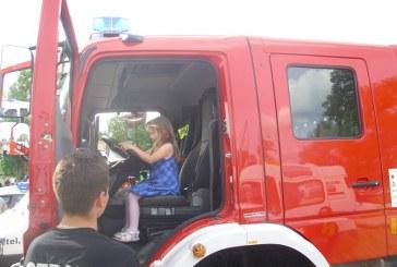 Przedszkolaki z Brzeziny i Lipek z wizytą u Strażaków