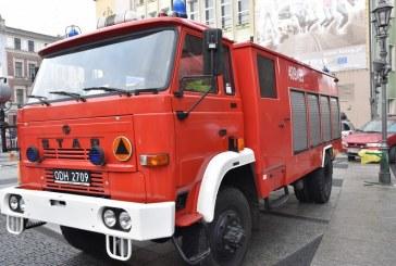 Brzeg: Zawodowi strażacy opuścili WOŚP na polecenie. Kontrowersje wokół mundurów