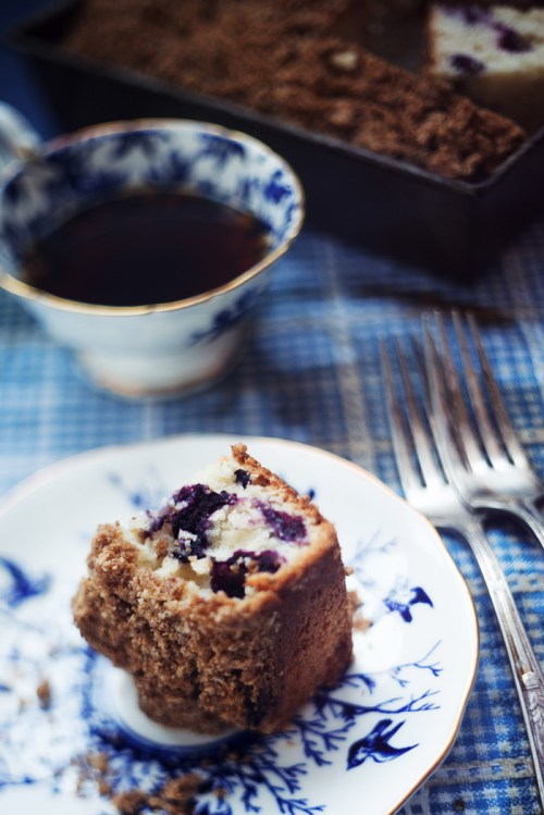Blueberry Buttermilk Coffee Cake | bsinthekitchen.com #dessert #coffee #bsinthekitchen