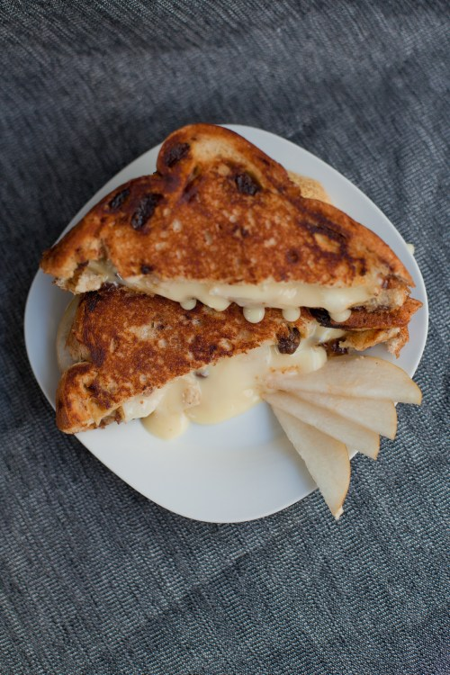 Brie & Pear Grilled Cheese | bsinthekitchen.com #grilledcheese #sandwich #bsinthekitchen
