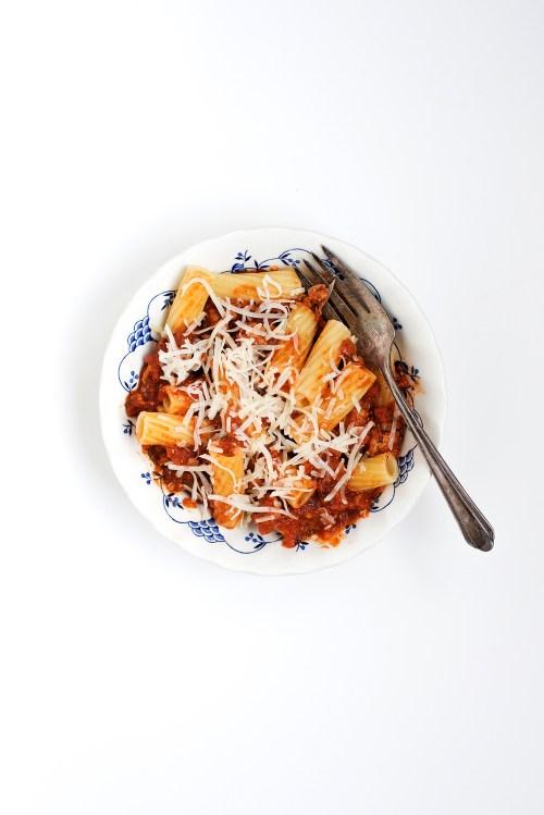 Rigatoni with Spicy Ground Turkey Ragu | bsinthekitchen.com #dinner #bonappetit #cookthecover #bsinthekitchen