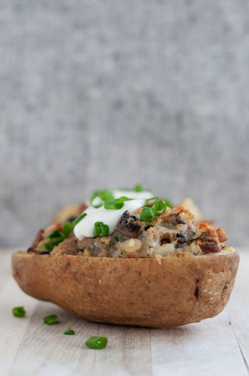 Roast Beef, Blue Cheese & Mushroom Twice Baked Potato | bsinthekitchen.com #leftovers #side #bsinthekitchen