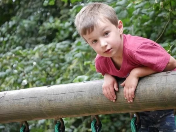 Living Arrows 34 - climbing at Cotswold Wildlife park