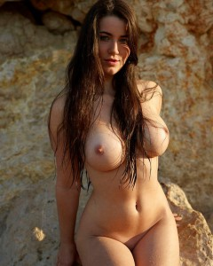 yara nude sex