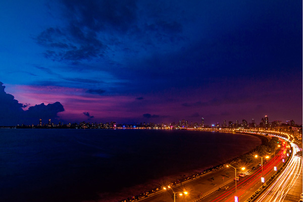 Marine Drive - Top 10 Things to do in Mumbai