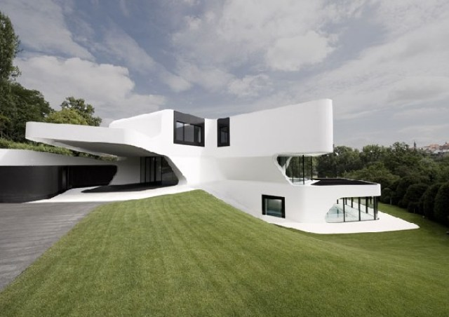 Futuristic-house-design-in-Ludwigsburg-Germany