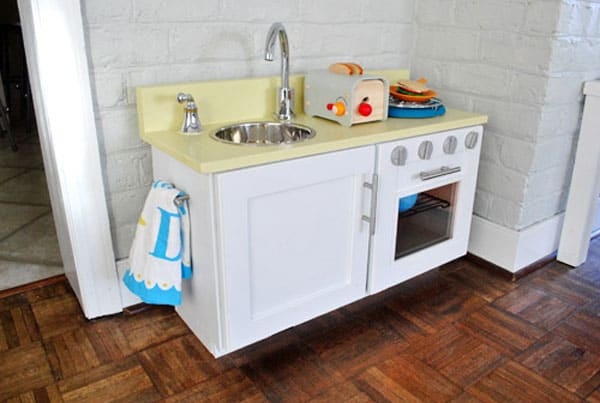5 amazing play kitchens that you can build for Can i build my own kitchen cabinets