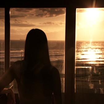 Petrel Hotel Blue (Koji Wakamatsu – 2012)
