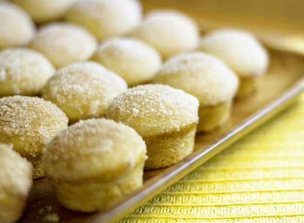 sugar-donut-muffins-on-plate
