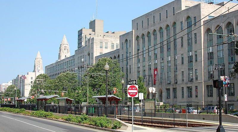 BU's College of Arts and Sciences. | Photo via Wikimedia Commons user Fletcher6