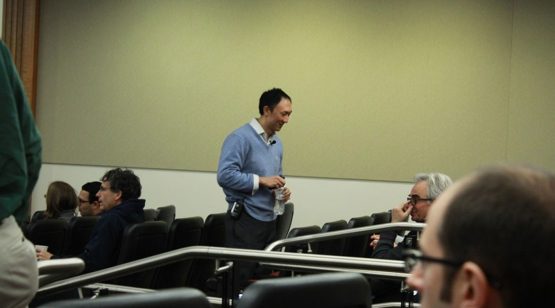 David Hu preparing to deliver his Physics Colloquium at Boston University. Photo by Joseph Martelli.