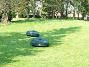 Robot lawnmowers make easy work for mowing large lawns. | Photo courtesy Flickr via LHOON.