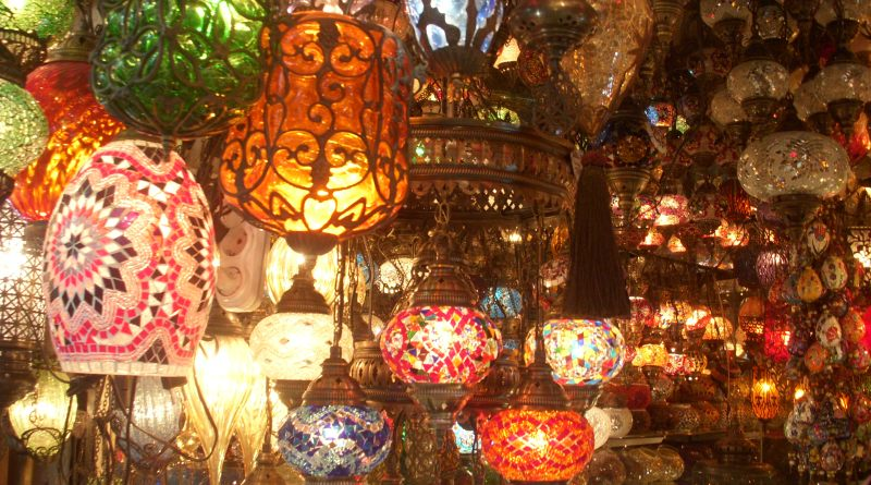 Turkish lanterns in Grand Bazaar | photo by Vijayta Narang