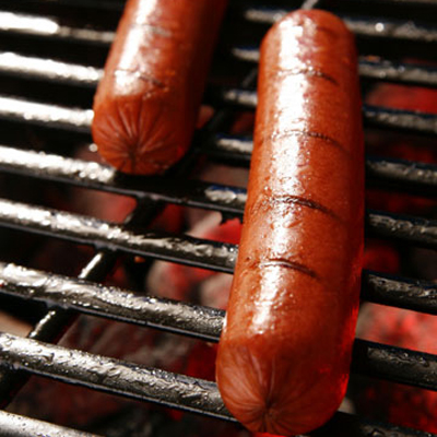 Grilling hot dogs (thanks, BurninLoveBBQ!)