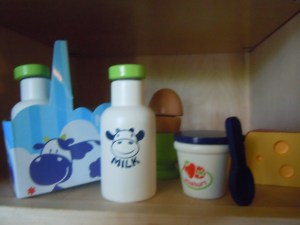 Early Learning Centre-Wood Dairy Foods Set
