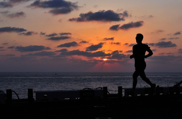 runner-sunset-creativity-marathon