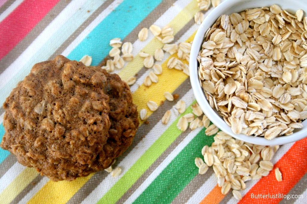 Oatmeal, Pecan & Chocolate Chip Cookies