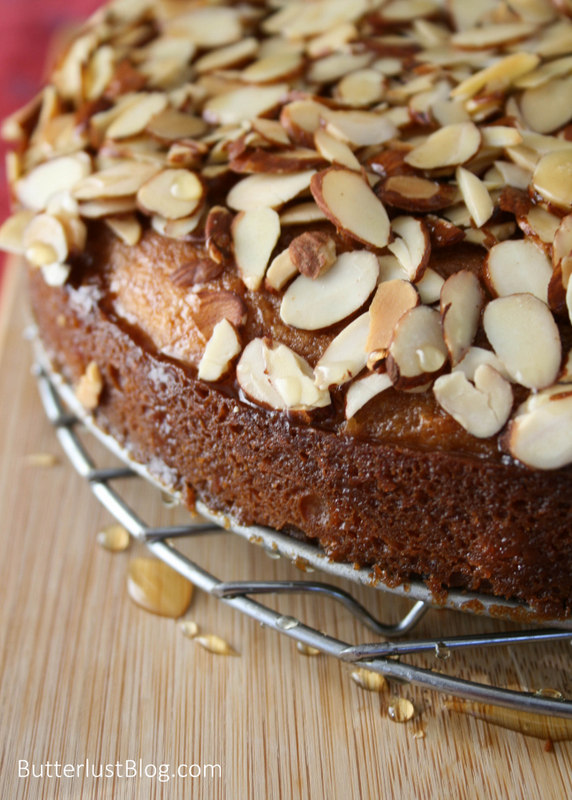 Honey Bee Cake by Butterlust Blog