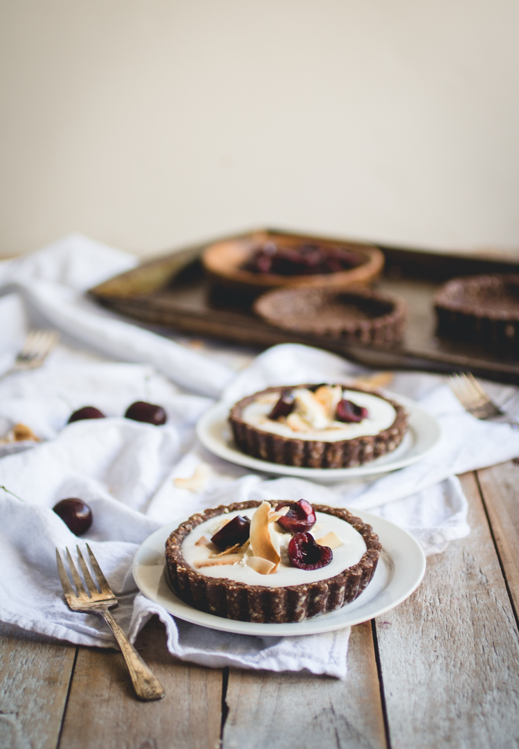 Coconut Pudding Tarts with Raw Chocolate Macaroon Crust [vegan, gluten-free] // butterlust.com @butterlustblog