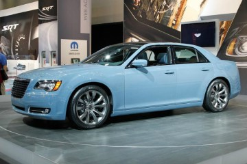 2016 Chrysler 300 Blue