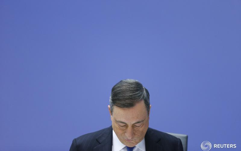 European Central Bank president Mario Draghi addresses a news conference at the ECB headquarters in Frankfurt, Germany, December 3, 2015.  REUTERS/Ralph Orlowski - RTX1X0FP