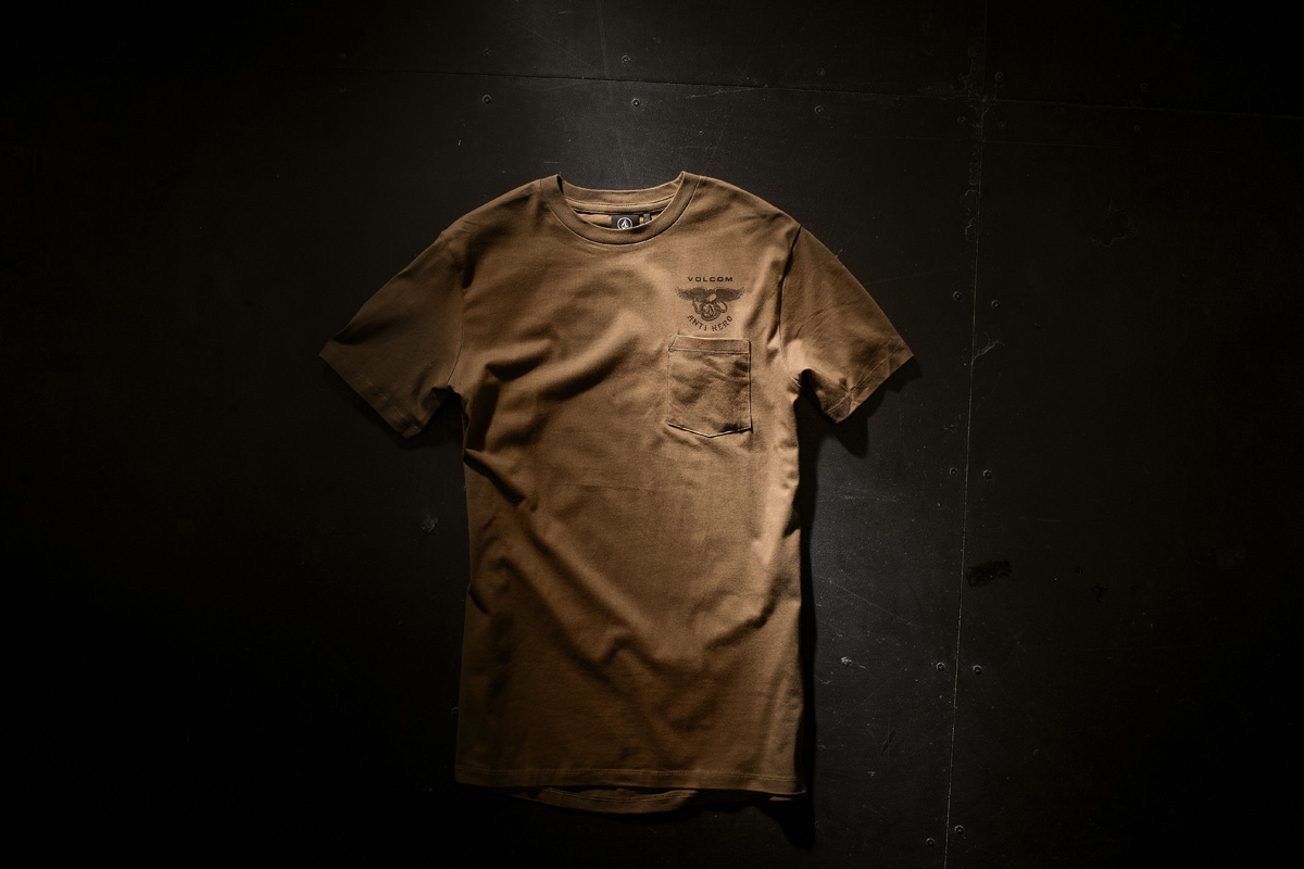 A0131606_MUD_MERCH_001