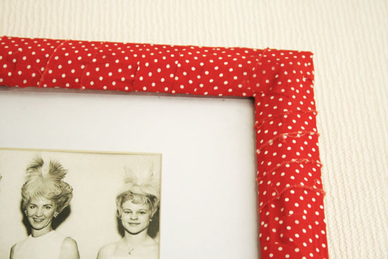 Diy fabric covered picture frame by wilma for Diy fabric picture frame