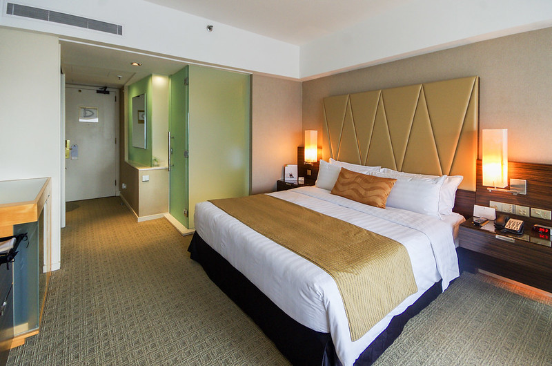 premier room at marina mandarin singapore