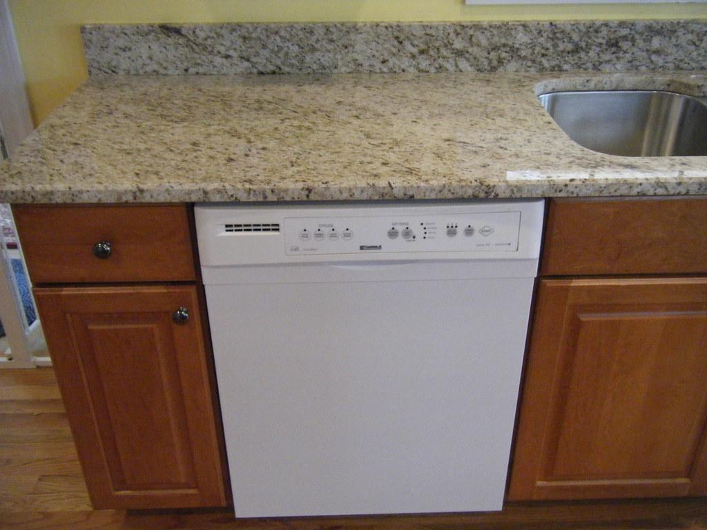 Fullsize Of Giallo Ornamental Granite