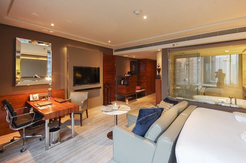work desk and tv - hilton sukhumvit bangkok junior suite