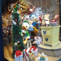 The Disney Store Christmas Windows at Alderwood Mall in Ly Flickr