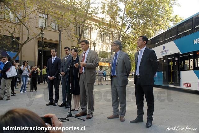 Autoridades presentan Nuevo Bus Transantiago 2 Pisos