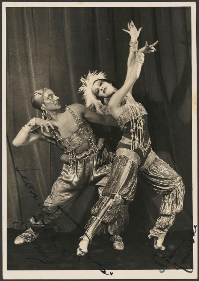 Leon Woizikowsky as the golden slave and Nina Raievska as Zoebeide in Scheherazade, Monte Carlo Russian Ballet, 1937 / Russell Roberts Pty. Ltd