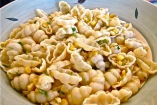 Pasta with Corn and Garlic