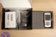 BlackBerry Pearl 8130 unboxing! - Image 4 of 12