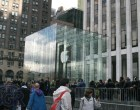 iPad 2 Launch – Fifth Avenue Apple Store - Image 3 of 4