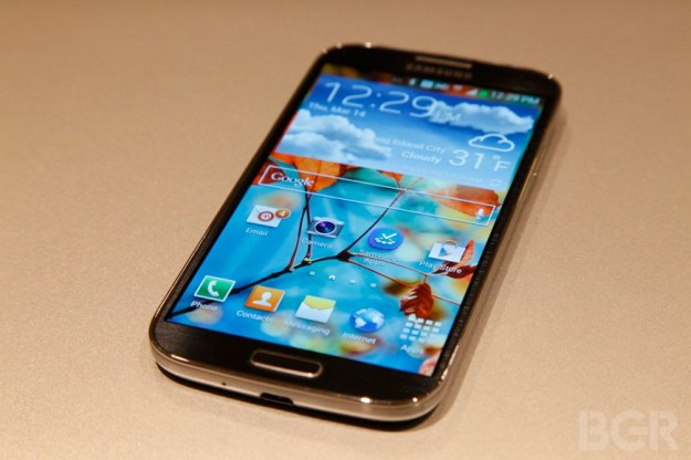 Sorry, Verizon subscribers: No Galaxy S4 for you in April