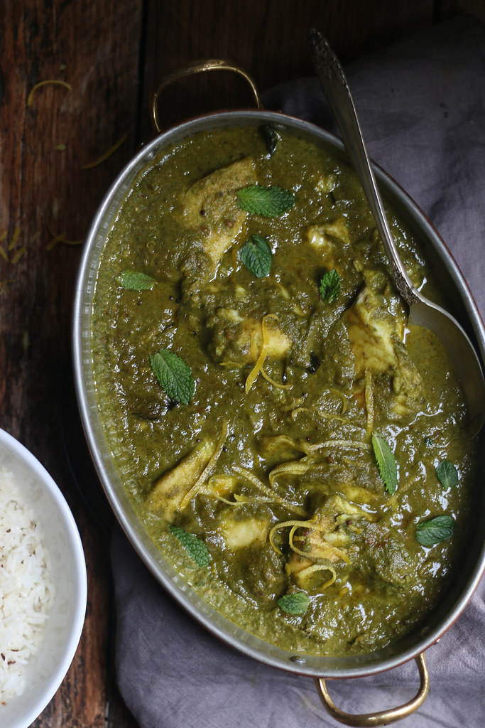 Green Masala Fish Curry. A deliciously easy cilantro-mint Curry with soft flaky fish. |foodfashionparty|