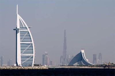 Dubai, EAU - Burj Al Arab | This foto was from the Palmier ...