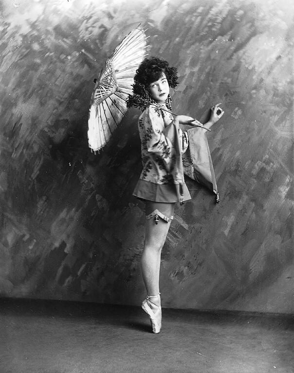 Miss Finney dancing, Montreal, QC, 1923