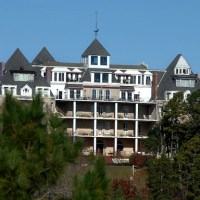 ~13~ of America's Most Haunted Hotels ... That You Can Stay In! (Going Places)