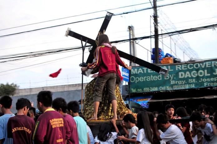 black nazarene procession in san juan 3